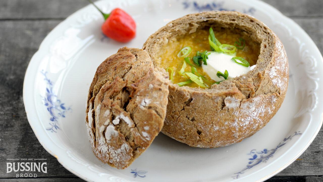 bussing-brood-geweldenaer-bruin-lunchbrood-soep