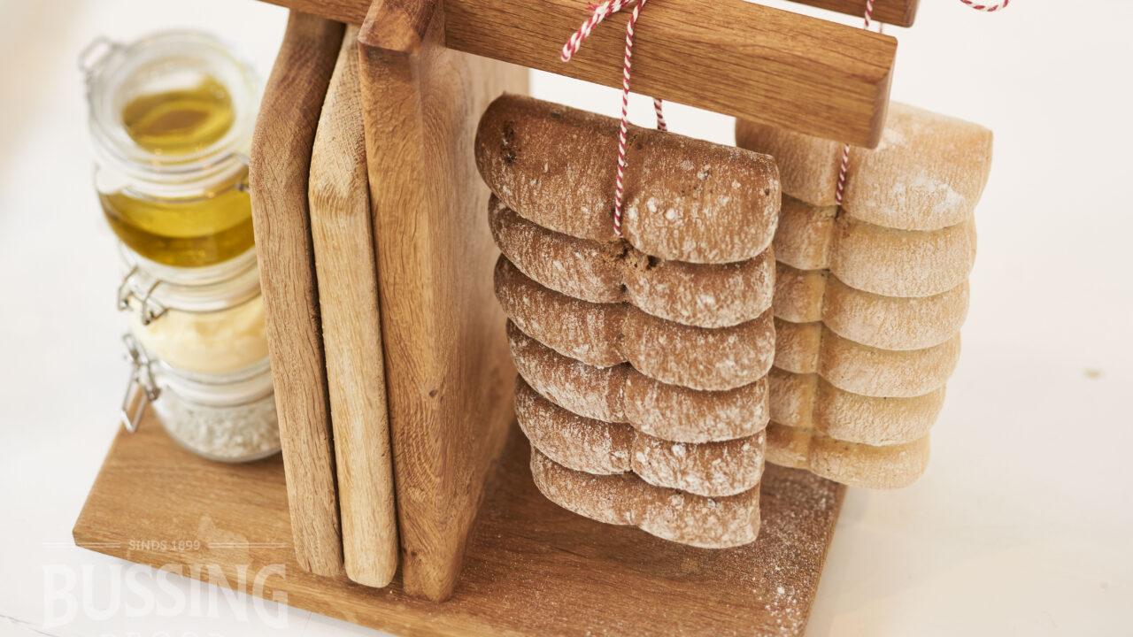 bussing-brood-tafelbrood-breekbrood-opgehangen