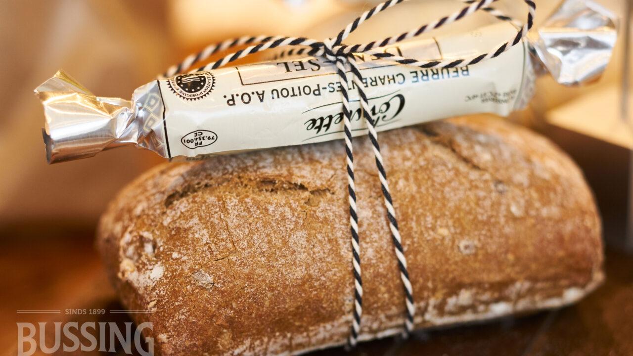 bussing-brood-tafelbrood-kleintje-desem-met-boter3