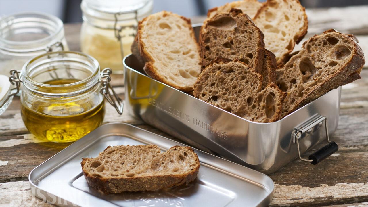 bussing-brood-tafelbrood-sneetjes-brustiek-in-blik