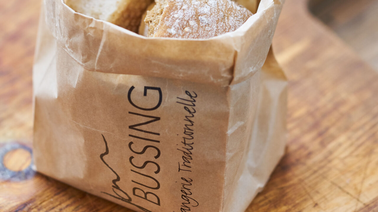 bussing-brood-tafelbrood-stukjes-breekbrood-in-een-zak
