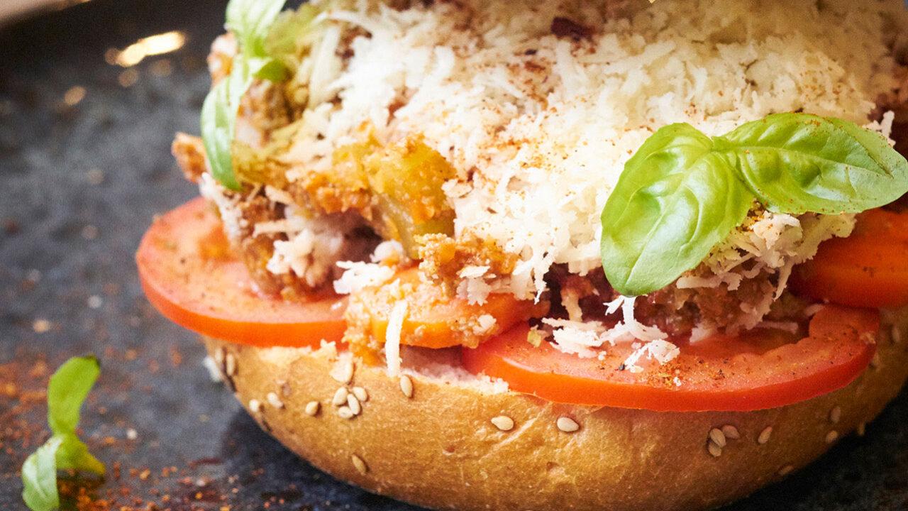 bussing-brood-recept-briochebol-bolognese-met-tomaat