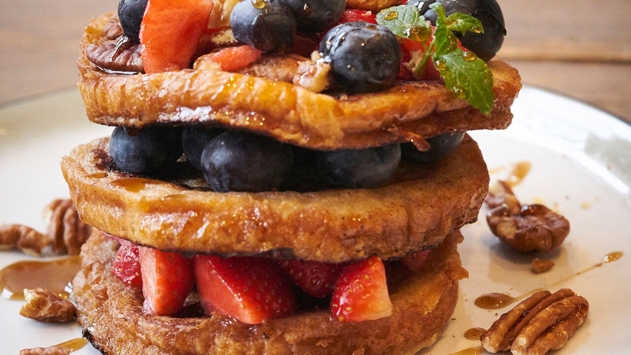 bussing-brood-recept-wentelteefjes-van-briochebrood-met-kaneel-en-vers-fruit