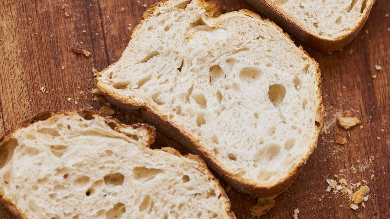 bussing-brood-sfeer-brustiek-drie-verschillende-broodplakken