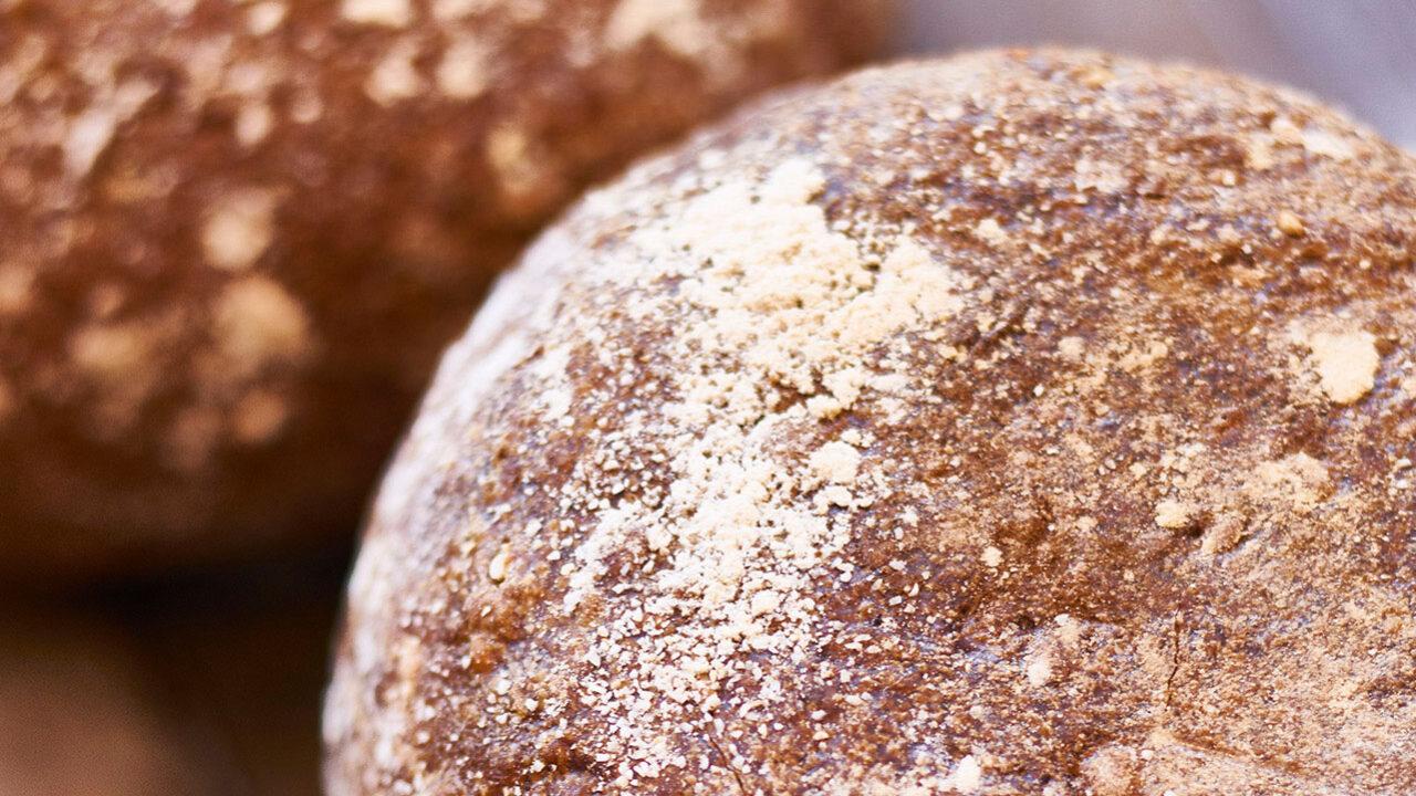bussing-brood-sfeer-geweldenaer-bruin-uit-steenoven