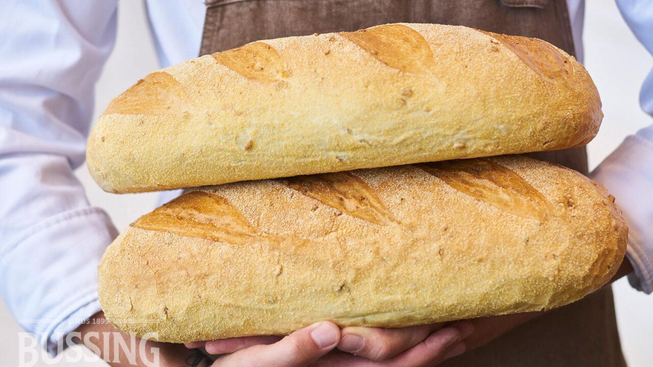 bussing-brood-sfeer-landbrood-mais-twee-op-elkaar