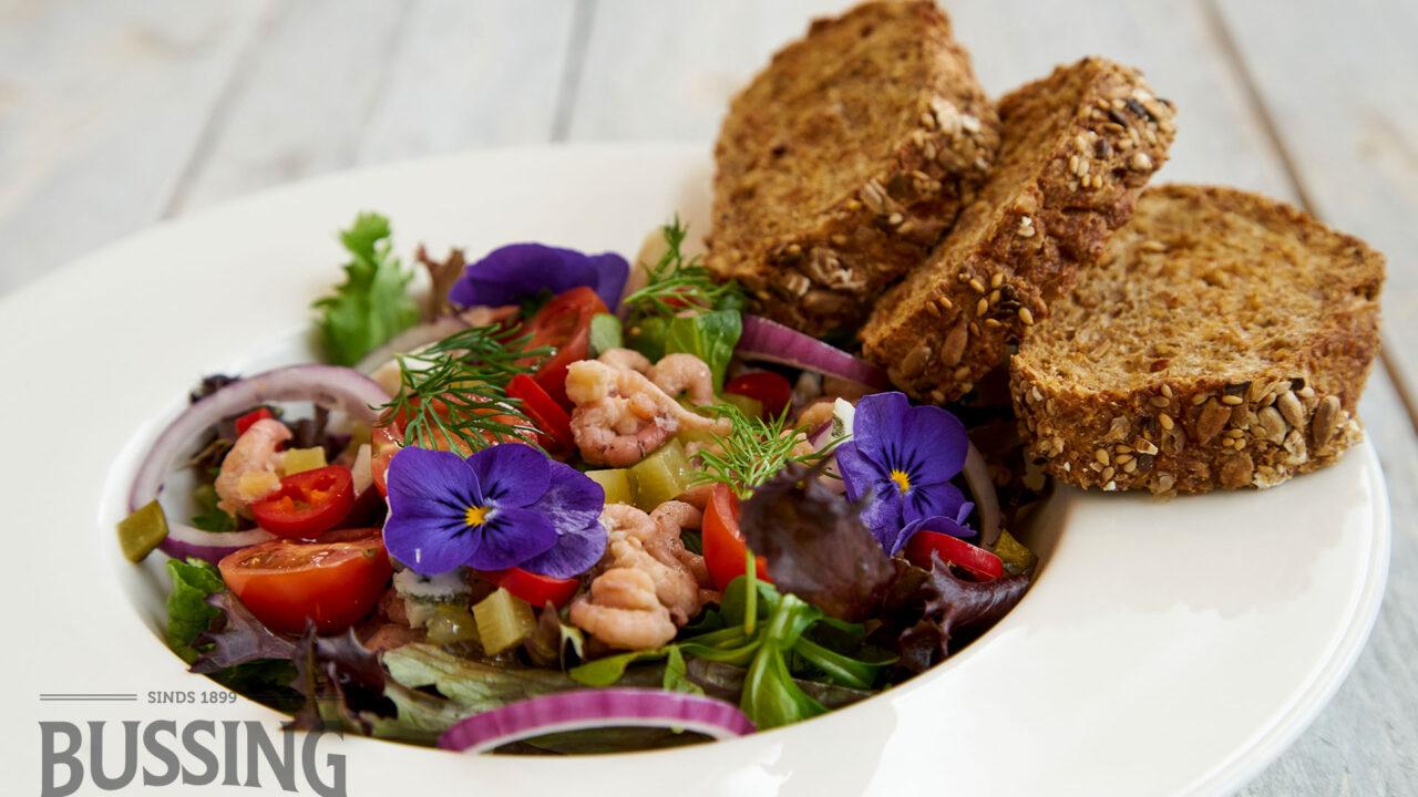 bussing-brood-recepten-mauricette-meerzaden-garnalen-salade