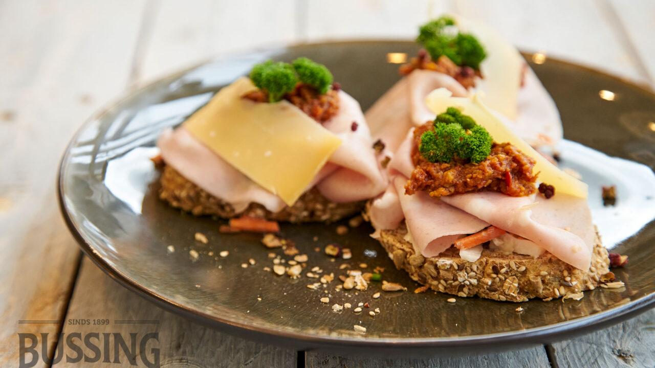 bussing-brood-recepten-mauricette-meerzaden-ham-kaas-tapenade