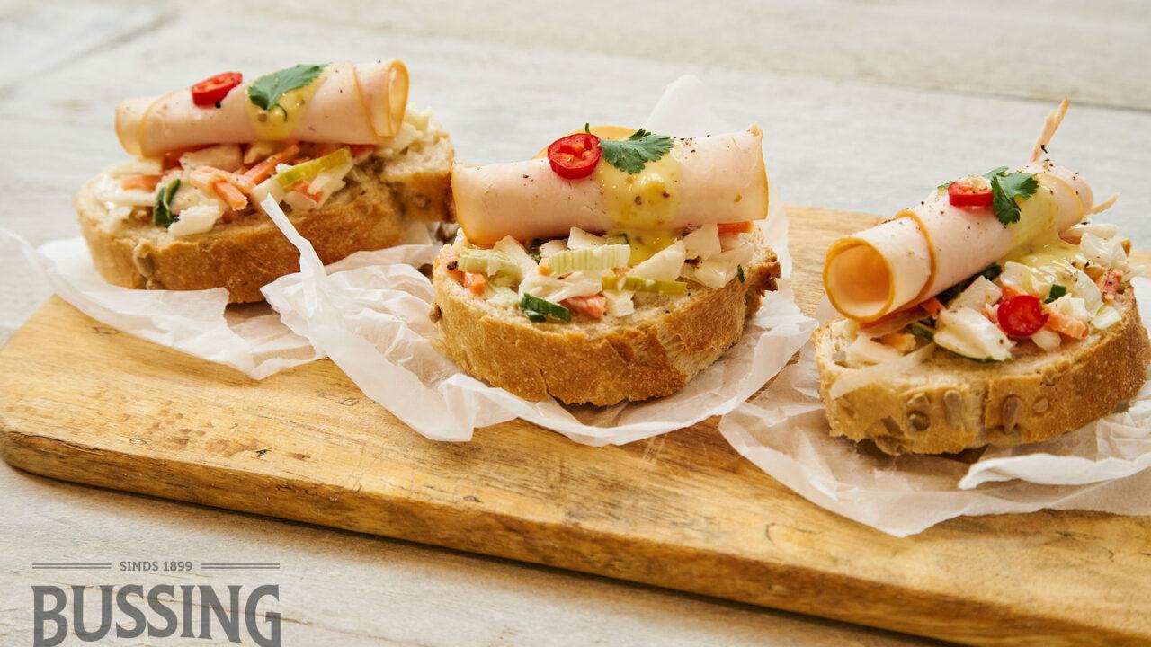 bussing-brood-recepten-mauricette-zonnewit-gedroogde-kip-zoetzuur